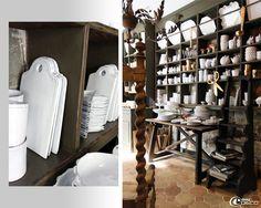 Vaisselle Astier de Vilatte présentée dans un ancien meuble de métier à casier à la Galerie Salon