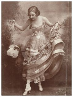 Irene Foote (later Irene Castle); c.1910.  She married the  English-born Vernon Castle the next year and the two became the best-known ballrooms dancers of the time. Vernon died in a plane crash in 1918.