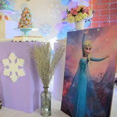 "9 Me gusta, 0 comentarios - PoshDecoBox (@poshdecobox) en Instagram: ""Detalles de la celebración de Maria Celeste. . . . . #eventplanner #eventos #catering #eventosocial…"" Baby Shower, Elsa, Disney Princess, Disney Characters, Painting, Instagram, Art, Christening, Weddings"
