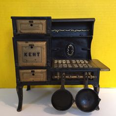 Kent Original Old Cast Iron Toy Cook Stove with 2 Pans #Kent