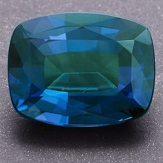 Brazilian Alexandrite under sunlight. More @ www.multicolour.com and #gemstones #alexandrite