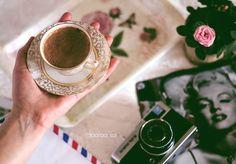 اليد الواحدة لا تصفق لكنها تمسك كوبا من القهوة .. و يسعد مسائكم ㅤ  ㅤ ㅤ By: @baraa_sal ㅤ Chosen by : @_rawasi_ ㅤ التقييم مـن 5 ㅤㅤㅤㅤ تـاقـزات : لنشر صوركم الجميلة مع كلمات تلامس مشاعركم @tagzat @tagzat ㅤ  ㅤ