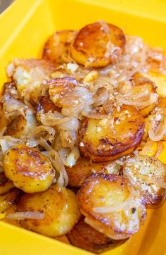Pan Fried Potatoes and Onions-Lyonnaise Potatoes