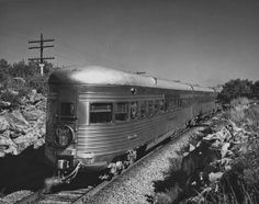 Reaganite Independent: Art Deco/Streamliner Trains of the 30s