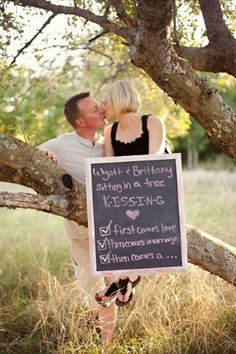 Love this pregnancy announcement....