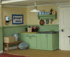 scale Swedish cottage, 1930 by Anna-Carin Mini Kitchen, Miniature Kitchen, Miniature Dolls, Barbie Furniture, Dollhouse Furniture, Doll Houses, Fairy Houses, Swedish Cottage, Mini Things