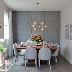 Modern Dining Room Design Ideas - Modern dining room decor ideas: Thrill your guests with these contemporary design ideas. Dining Room Walls, Dining Room Design, Dining Room Feature Wall, Dining Room Paneling, Grey Dining Room Chairs, Grey Feature Wall, Dining Room Wallpaper, Kitchen Dinning Room, Living Room Designs