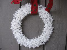 Craft Klatch: Snowflake Wreath Craft Tutorial