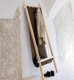 """Garderobe """"Lodelei"""" von Nils Holger Moormann"""