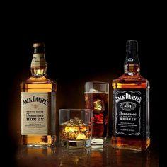 Jack Daniels No 7, Jack Daniels Whiskey, Tennessee Whiskey, Whiskey Bottle, Drinks, Design, Beverages, Drink, Design Comics