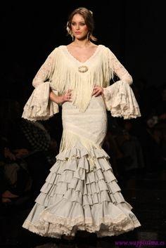 Colección El estilo jamás se pierde  por  Loli Vera  en  SIMOF 2013