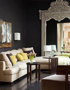 Dark Walls Mean Major Pop - Interior Design Dallas Ideas My Living Room, Home And Living, Living Spaces, Style At Home, Home Interior, Interior Design, Design Salon, Design Hotel, Black Rooms
