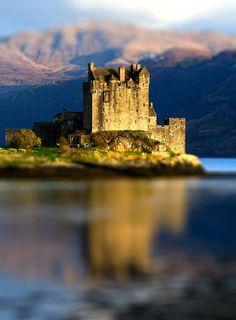 Medieval, Eilean Donan Castle, Scotland photo via kuratani