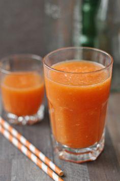 Ez a turmix egy igazi vitaminbomba! Nemcsak a színe, az íze is igazán üdítő! Gyömbéres répaturmix - garantáltan jól indul a napunk vele. Laktózmentes turmix