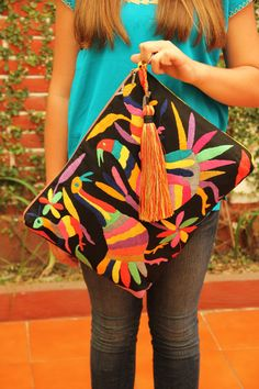 Black and multi colored Clutch Vegan by CasaOtomi on Etsy Mexico 76149b220b691