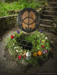 Chalice Well at Beltane in Glastonbury. Beltane, Sabbats, Summer Solstice, Gods And Goddesses, Book Of Shadows, Samhain, Faeries, Celtic, Creations