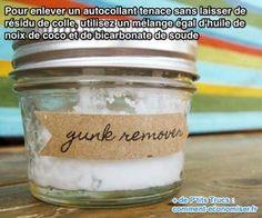 utilisez un mélange d'huile de noix de coco  et de bicarbonate de soude pour enlever une étiquette sur un bocal