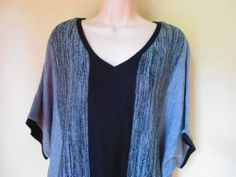 AGB Silver Black Gray Vertical Striped Knit Top 2X Short Sleeve Woman V Neck