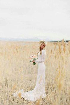 Vintage Lace Scalloped Neckline Long Sleeve Sweep Train Wedding Dress