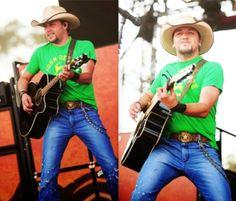 Jason in John Deere green. Gotta love that face! :-)