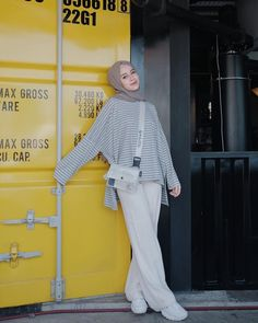 outfit plus size Modern Hijab Fashion, Street Hijab Fashion, Hijab Fashion Inspiration, Muslim Fashion, Hijab Casual, Hijab Chic, Hijab Stile, Hijab Fashionista, How To Pose
