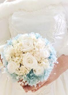 サムシングブルーとかすみ草のウェディングブーケ Lace Wedding, Wedding Dresses, Baby's Breath, Wedding Planner, Flora, Weddings, Bride Dresses, Wedding Planer, Bridal Gowns