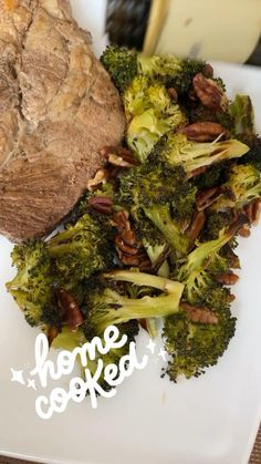 Riquísimo brócoli con nueces al horno. Queda delicioso. Steak Side Dishes, Grilled Vegetables, Vegetable Side Dishes, Beef, Cooking, Food, Recipes, Oven, Grilled Veggies