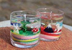 Okayama 岡山(おかやま) 岡山農業公園 ドイツの森 学ぶ ジェルキャンドルづくり  色砂とガラス細工を使ってキャンドルを作ろう! 色とりどりの砂を重ねて自分の世界を作り出そう。  所要時間:約30分 1200円から (ガラス細工やビー玉等のオプション追加により変動)  *製作された作品は当日お持ち帰りとなります。 郵送等の発送は受け付けておりませんので、ご了承ください。 【参考価格】 左右共に約2000円分使用