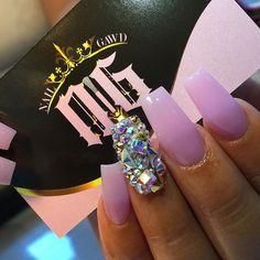 Nail Designs, Purple http://comoorganizarlacasa.com/en/nail-designs-purple/ Diseños de uñas, púrpura #Ideasfornails #NailsDesigns #Nailsideas #Nailstrends #Purple #Purplenails