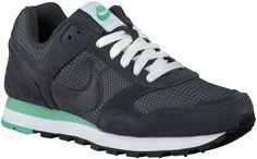 Grey Nike Sneakers http://www.omoda.nl/dames/sneakers/nike/grijze-nike-sneakers-md-runner-dames-52877.html