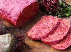 Pan de Betarraga | Cherrytomate Steak, Beef, Drinks, Color, Bread Recipes, Maltese Tiger, Healthy Breads, Beets, Bonito