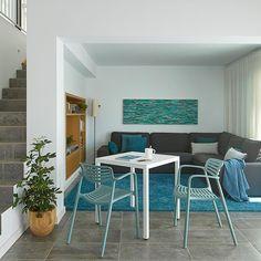 #toledoaireハッシュタグ - Instagram • 写真と動画 Outdoor Furniture Sets, Outdoor Decor, Chair, Instagram, Home Decor, Decoration Home, Room Decor, Stool, Home Interior Design