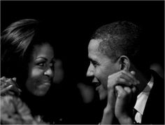 Great photo of First Lady Michelle Obama and President Barack Obama. We are so fortunate. Mr Obama, Barack Obama Family, Michelle And Barack Obama, Obama President, Presidente Obama, Flirting Tips For Girls, Flirting Memes, Black Is Beautiful, Beautiful Wife