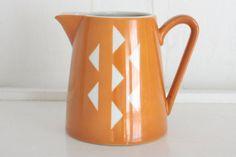 The Vintage Kitchen : Etsy Style (via Jonas Roberts Ceramic Creamer Bright Orange by TheBeetlesKnees) Triangle Love, Cuppa Tea, Ol Days, Good Ol, Inspiration Boards, Vintage Kitchen, Furniture Design, Bright, Ceramics