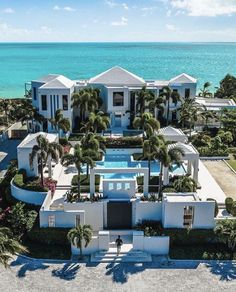 Leading Hotels of the World: Most Famous 25 Luxury Hotels, We see our readers'. Leading Hotels of the World: Most Famous 25 Luxury Hotels, We see our readers'. Dream Home Design, Modern House Design, Dream Mansion, Beach Mansion, Leading Hotels, Luxury Homes Dream Houses, Dream Homes, Modern Mansion, Dream House Exterior