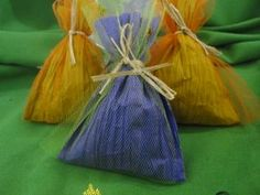 Bolsitas aromaticas de papel Country con hierbas medicinales aromáticas, 10 cm de largo x 5 cm de ancho Aproximados. Para aromatizar ambient...