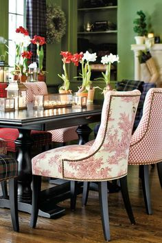 Eye For Design: Decorating With Mismatched Dining Room Chairs