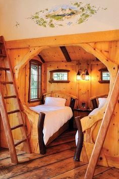 KIDS ROOM – An extra bunk in the eight-year-old's inglenook accommodates sleepover pals.