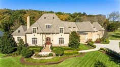 Nashville Brighton villa with endless possibilities in Franklin Listed by: Marsha Simoneaux & Tami Siedlecki Traditional Home Exteriors, Traditional House, Franklin Homes, House And Home Magazine, Land For Sale, Luxury Real Estate, Brighton, Nashville, Luxury Homes