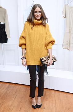 Christmas Looks by Olivia Palermo Style Olivia Palermo, Olivia Palermo Outfit, Olivia Palermo Lookbook, Look Legging, Cold Weather Fashion, Sweater Coats, Sweater Dresses, Big Sweater, Slouchy Sweater