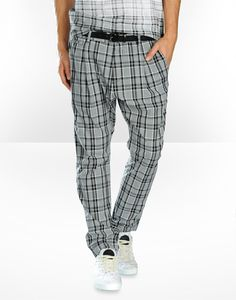 Dress like Andre 3000!? The combination between baggy and the style of slim golf trousers is making this a very cool item by D&G.