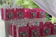 Kiddies Parties @Em'ganwini Kraal Parties, Gift Wrapping, Table Decorations, Gifts, Home Decor, Fiestas, Gift Wrapping Paper, Presents, Decoration Home