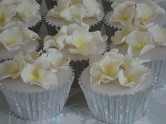 Perfect to match the wedding flowers - Hydrangea cupcakes