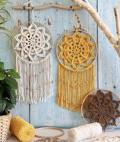 Crochet Stars, Love Crochet, Learn To Crochet, Crochet Doilies, Beginner Crochet Projects, Sewing Projects, Crochet Wall Hangings, Crochet Ornaments, Book Crafts