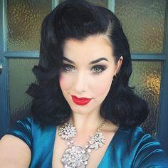 25 Pin Up Hairstyles for Long Hair … | Pinteres…