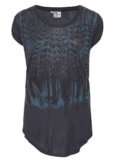 Love the pattern on this tshirt. but yet again its a 'loose' fit. hmm. Firetrap.