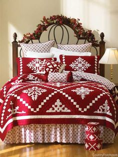 Snowfall (from The Country Porch) Great Christmas quilt. Clever idea to use Hawaiian quilt motifs as snowflakes.The Country Porch features country style Christmas decor for seasonal holiday home decorating.From the Country Porch - I would so do this Christmas Bedding, Christmas Home, White Christmas, Christmas Quilting, Xmas, Christmas Crafts, Christmas Tables, Coastal Christmas, Elegant Christmas
