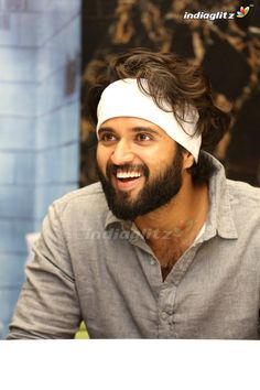 Vijay Devarakonda Actor Picture, Actor Photo, Pawan Kalyan Wallpapers, Telugu Hero, Mens Hairstyles With Beard, Vijay Actor, Pre Wedding Poses, Whatsapp Dp Images, Vijay Devarakonda