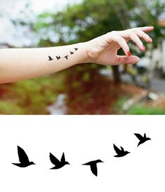 Graphic Design Flying Birds Temporary Tattoo -Jewellery Tattoo - Body - Wrist - Ankle Tattoo - ♥ ITEM DESCRIPTION ♥ Our temporary tattoos are printed by an FDA-approved, quality printer, and - Mini Tattoos, Trendy Tattoos, Foot Tattoos, Sexy Tattoos, Cute Tattoos, Beautiful Tattoos, Body Art Tattoos, Small Tattoos, Tatoos