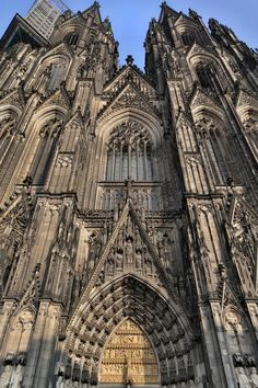 External view of the Cologne cathedral. Romanesque Architecture, Cathedral Architecture, Renaissance Architecture, Beautiful Architecture, Beautiful Buildings, Abandoned Churches, Gothic Aesthetic, Cathedral Church, Autocad